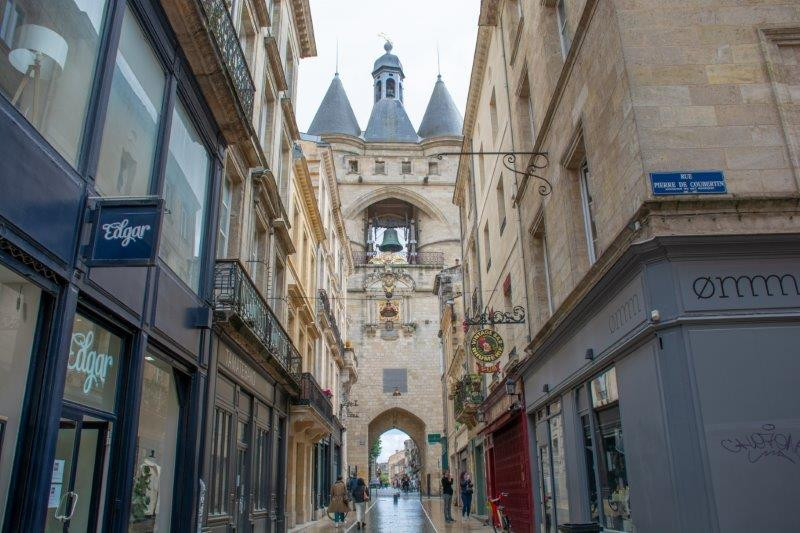 La Grosse Cloche Bordeaux Potujoči brlog