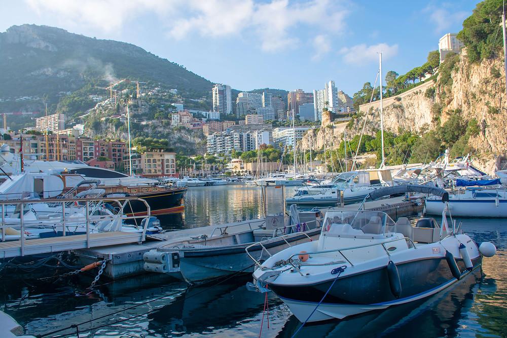 Monako potujoci brlog