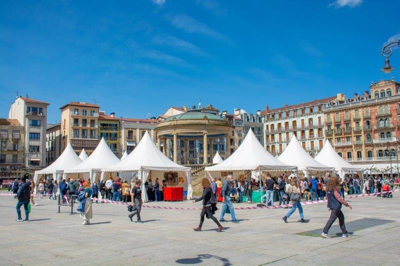 Plaza del Castillo Pamplona Potujoči brlog