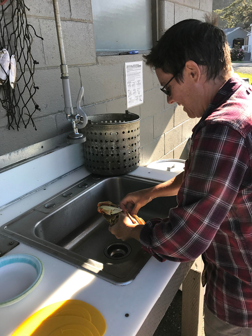 Cleaning crabs at the Oceanside Beach Front RV Park in Charleston, OR