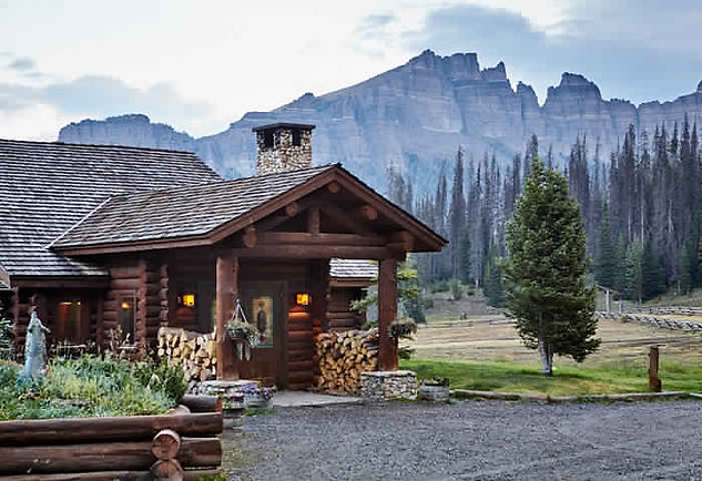 Lodge building and mountain - Getting Here - Brooks Lake Lodge - luxury hotels Yellowstone national park