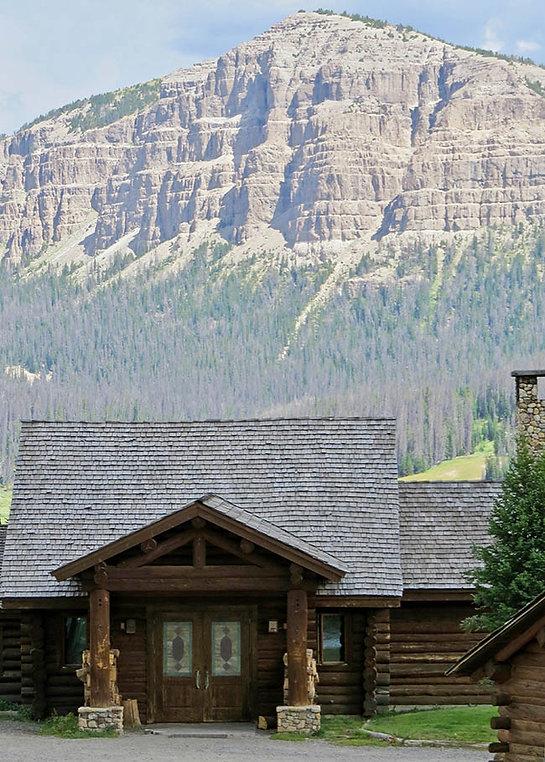 Lodge entrance - Tour the Lodge - Brooks Lake Lodge - Yellowstone luxury hotels