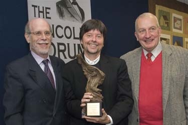Frank J. Williams and Harold Holzer present the 2008 award to Ken Burns