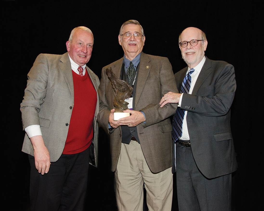 Frank J. Williams and Harold Holzer present the 2015 Current Award to Ed Steers