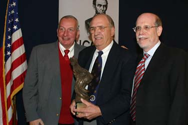 Harold Holzer presents the 2005 award to Frank J Williams and John McClarey
