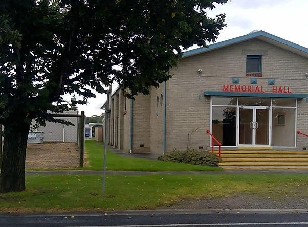 Welshpool_Memorial_Hall_-_49-51_Main_St%