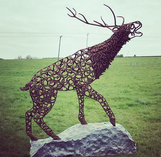 Climbing Stag Bellow