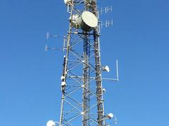 Frys Hill mast on a sunny day