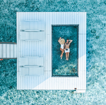 SURFING THE MALDVIES WITH HOLIDAY INN