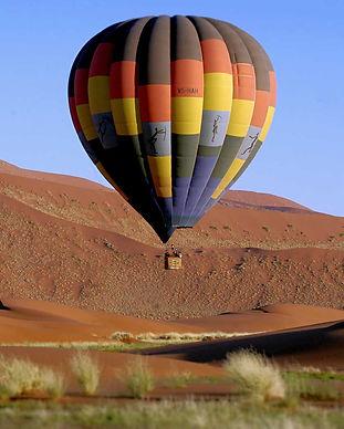 Balloon sossusvlei.jpg