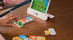 osmo-digital-coding-physical-game-teach.