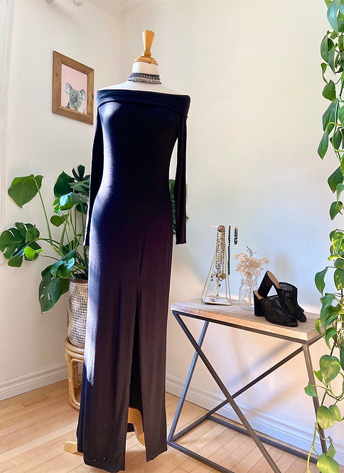 Angelina   Longue robe noire avec fente
