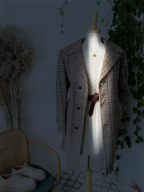 Manteau Vintage Olympique de 1968   Fait au Canada & Long tricot beige