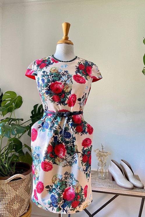 Invitée d'honneur | Robe fleurie avec poches