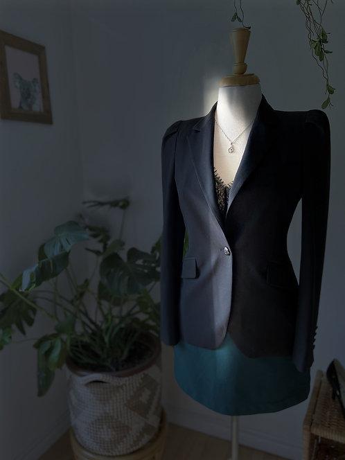 Robe verte & Veston noir