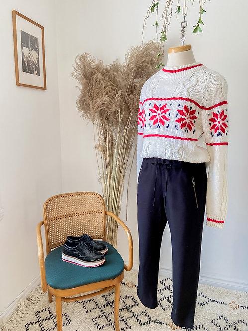Le Festif | Tricot flocons & Pantalon noir