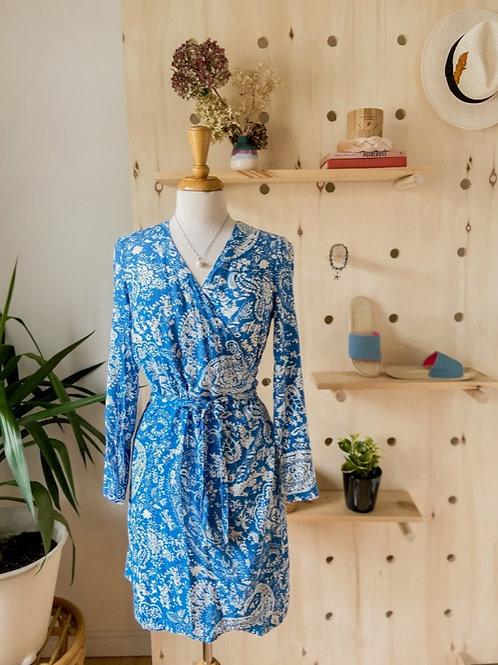 Robe portefeuille bleu imprimé paisley
