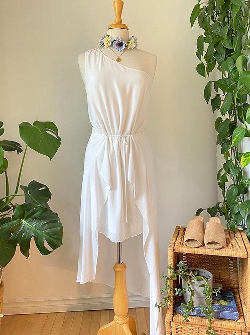 Lumière vaporeuse | Robe asymétrique blanche