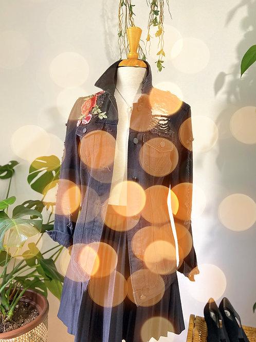 Black roses | Veste denim noir et jupe à plis