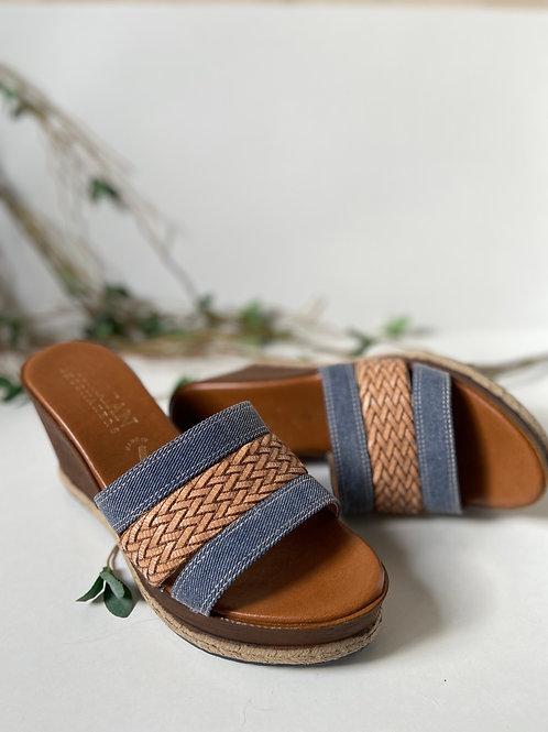 Sandales compensés tressés et denim