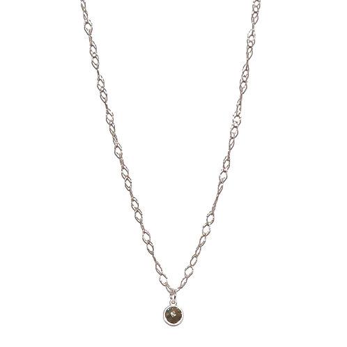 Halskette mit Labdradoritanhänger