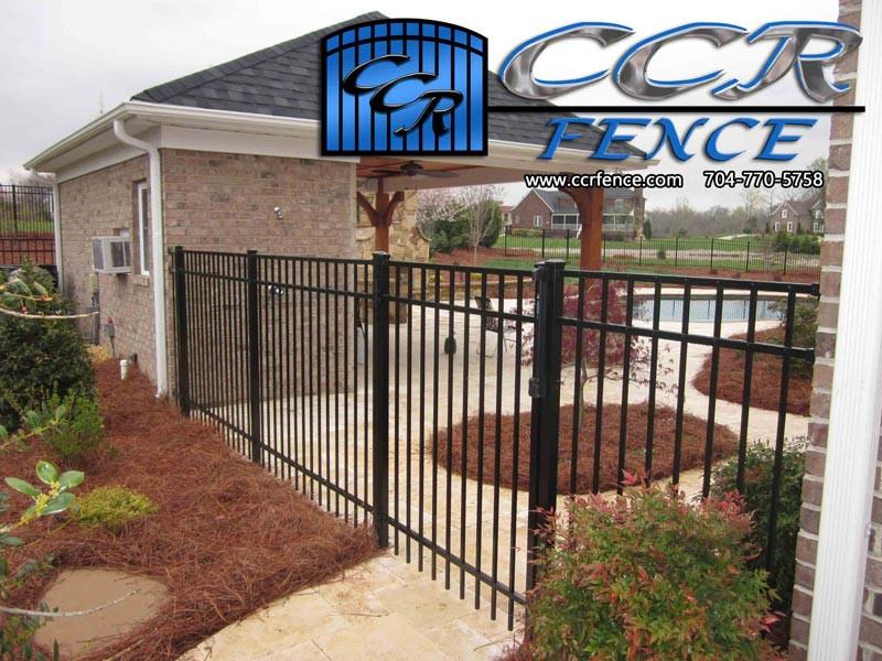 Best-HOA-Fence.jpg