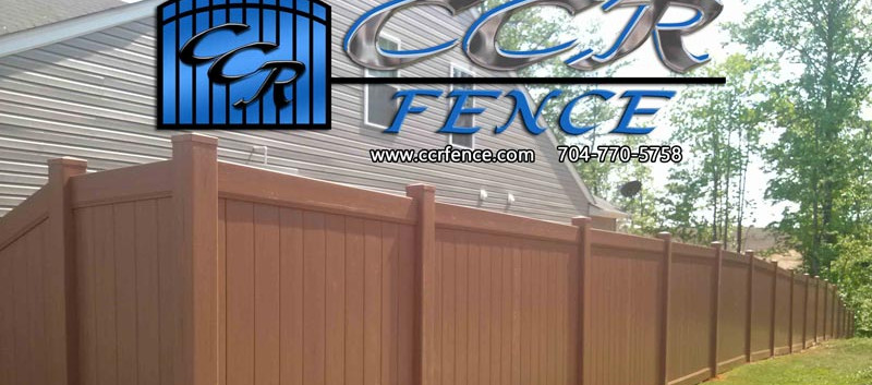Brown-Vinyl-Privacy-Fence.jpg