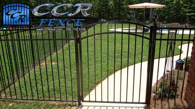 Fencing-around-pool.jpg