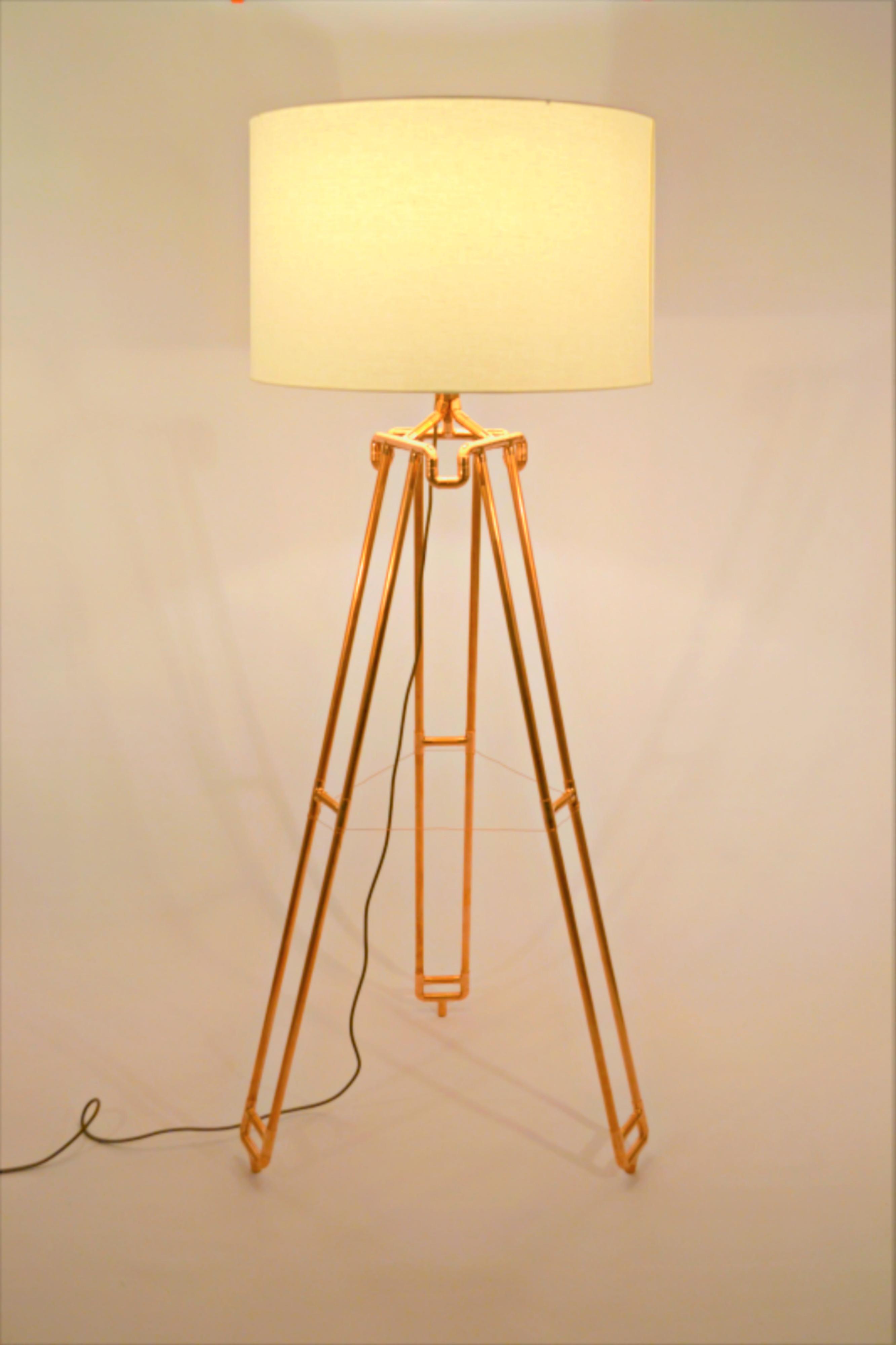 Dual leg Copper Tripod (1)