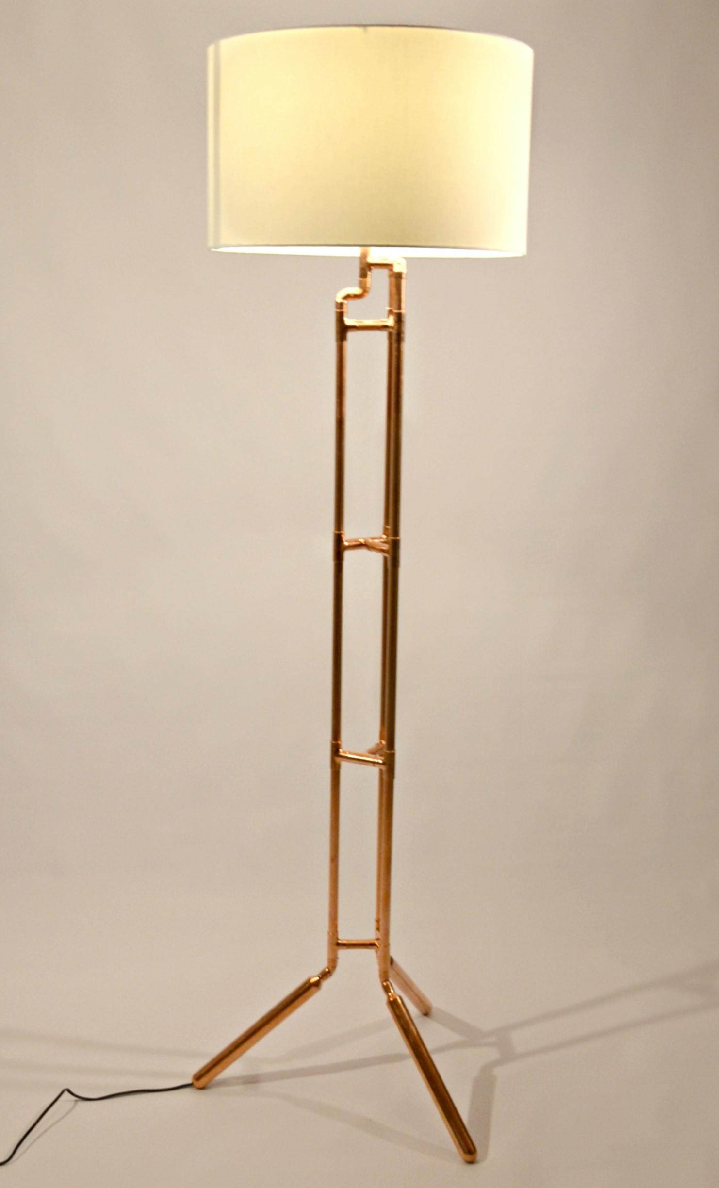 Tripod Tri-Tower Lamp (21)