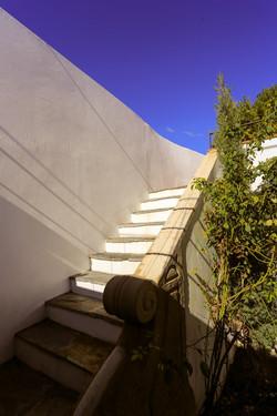 Escalier extérieur vers la piscine