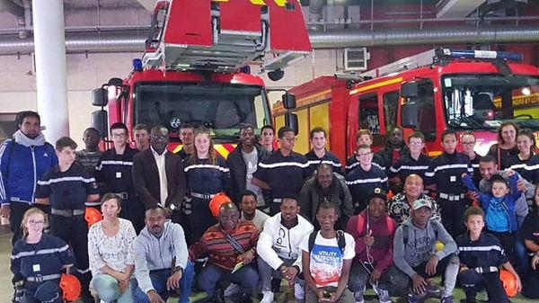 Photo avec les pompiers.jpg