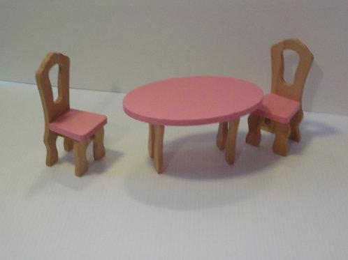 Meubles en bois pour Barbie: 2 chaises et une table