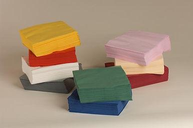 מפיות ארוזות צבעוניות