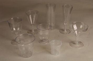 כוסות ומכסים חד פעמיים