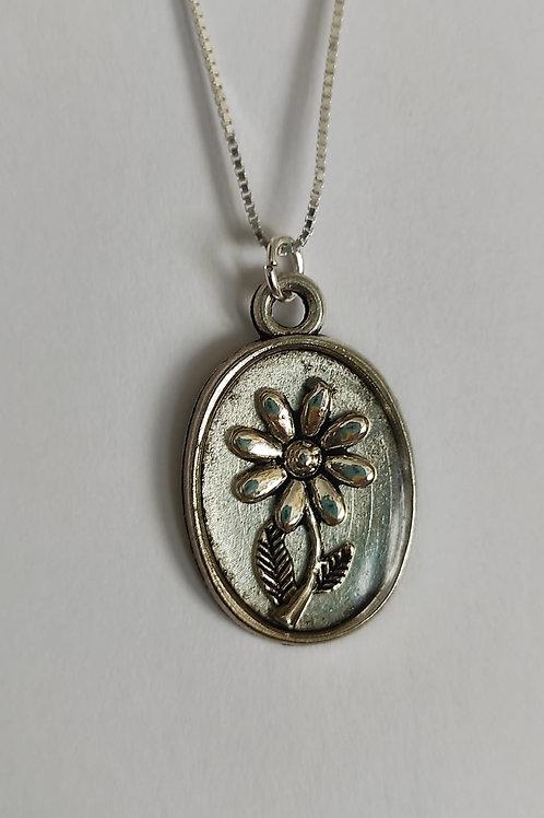 Pendentif Délicatesse fleur métal