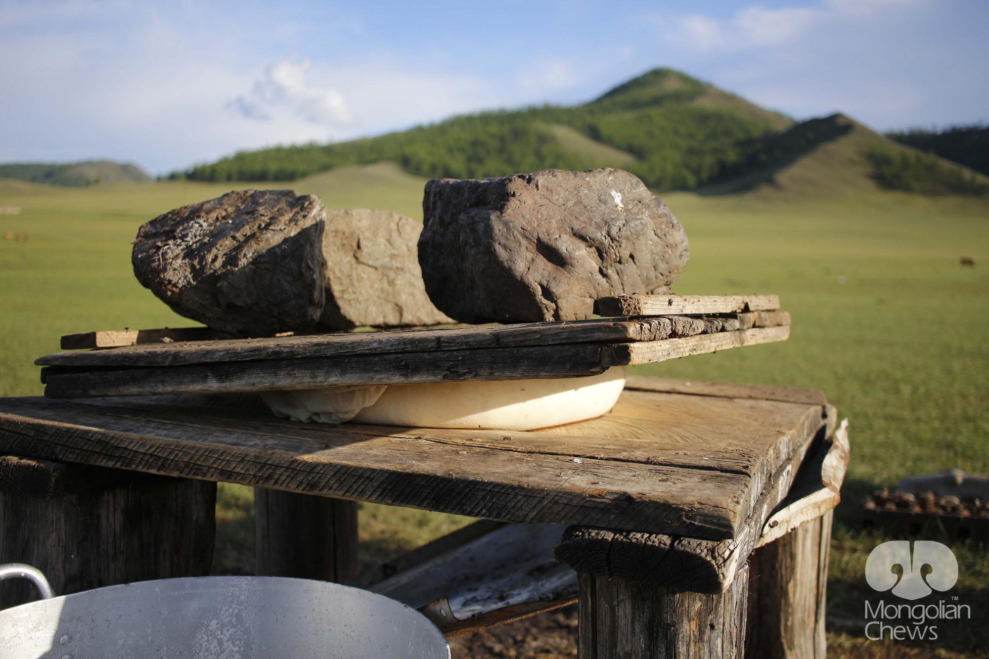 MONGOLIAN CHEWS - FARMTT-01-WL