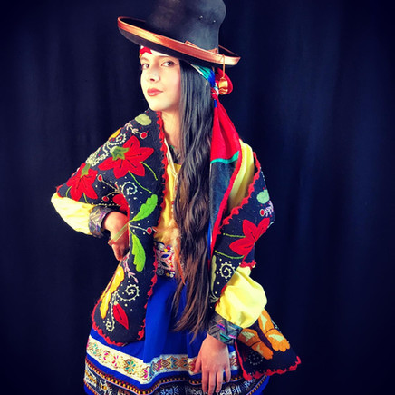costume inspiration péruvienne.jpg