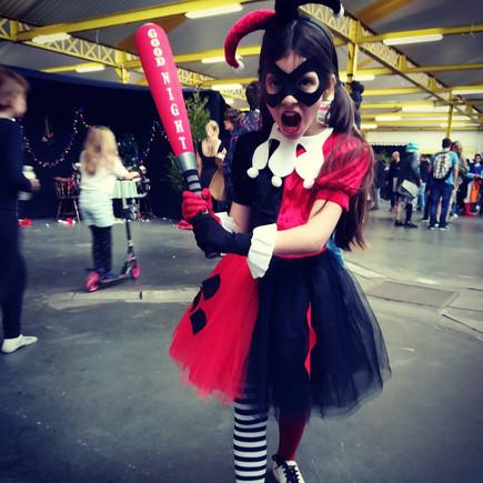 cosplay_enfant_harley_quinn2.jpg
