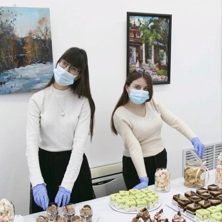 Благодарность партнерам церемонии открытия выставки Полины Маценковой