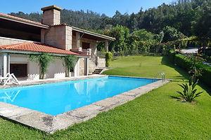 Exterior piscina.jpg