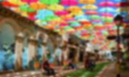 rua-umbrella-sky-project-litoral-magazin