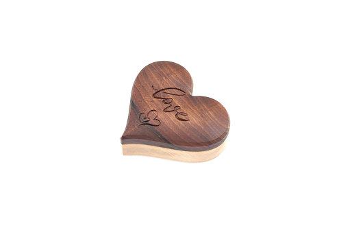 Holzschatulle in Herzform aus Holz (Nußholz, Ahorn)
