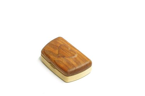 klassische Schatulle aus Holz mit erhabener Herzform