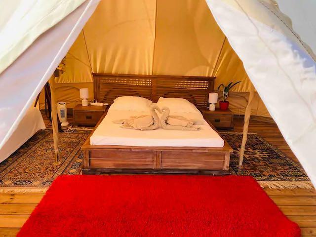 Bed with towel Olivier.WEBP.jpeg