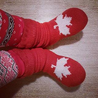 6 am. Insanely warm reading socks? Check