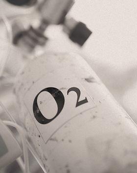 Portable%20oxygen%20cylinder%20for%20med