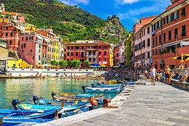 Vernazza village, Cinque Terre, Italy.jp