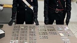 Trecento monete d'oro in casa: denunciato dai carabinieri