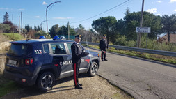 Nasconde la droga nell'ombelico, arrestato dai carabinieri